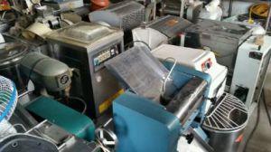 长沙回收厨具,操作台,和面机,搅拌机,蒸箱
